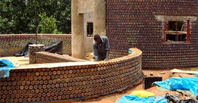 Дом построить из бутылок своими руками